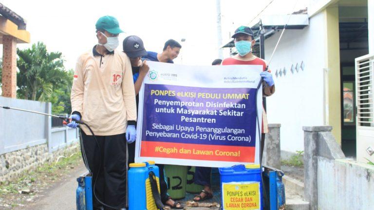 Ponpes eLKISI Lakukan Penyemprotan Disinfektan di Pesantren dan Sekitarnya